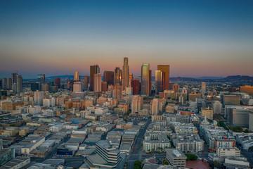Marron chocolat Aerial view of Los Angeles at sunrise
