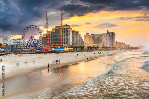 Fototapete Daytona Beach, Florida, USA beachfront skyline.