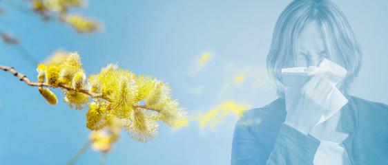 frau hat heuschnupfen im pollenstaub