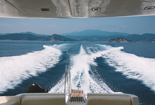 View on yacht trail from back of sailing yacht.