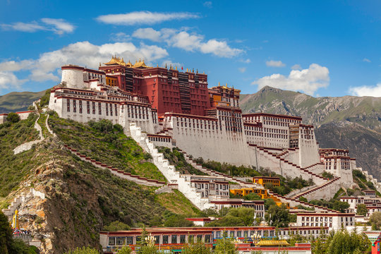 Magnificent Potala Palace in Lhasa, Tibet