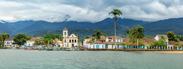 Foto auf AluDibond Brasilien Panoramic view of Paraty Bay, church and historic center of Paraty city in Rio de Janeiro, Brazil. World Heritage on the Brazilian Coast