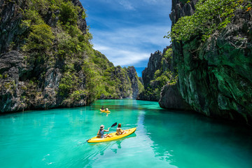 Palawan, Philippines, Tourists Kayaking and Exploring the Natural Sights Around El Nido Fotomurales