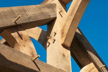 Foto auf Leinwand Altes Gebaude détail sur charpente en bois en construction