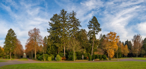 Herbststimmung auf dem Hauptfriedhof von Frankfurt am Main