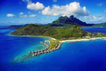 In de dag Donkerblauw Aerial View of Bora Bora with overwater Bungalows