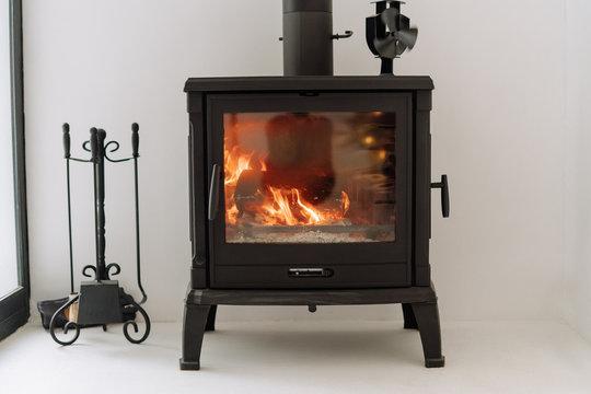 Modern Black Metal Fireplace Burning Wood Stove