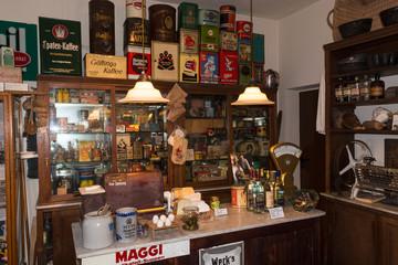 HEILIGENHAUS, NRW, DEUTSCHLAND - DECEMBER 18, 2016: Old historical department store with antique merchandise assortment.