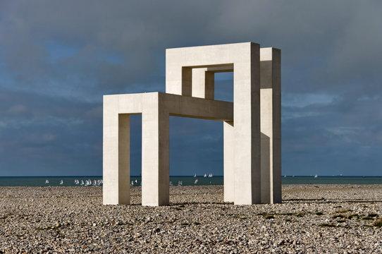 Sculpture abstraite UP#3, (Sabina Lang et Daniel Baumann). Le Havre. Normandie. France. Novembre 2019.