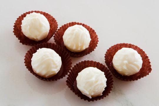 ホワイトチョコ トリュフ
