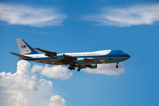 MIAMI, FL - AUG 18: Air Force One lands in Miami carries President Obama to attend a fundraiser for Florida Democrats at the Fontainebleau Hotel on Wednesday August 18, 2010 in Miami