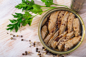 Smoked sprats in oil