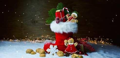 Nikolaus Stiefel - gefüllter Nikolausstiefel - Weihnachten Hintergrund Banner