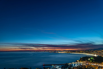 Coucher de soleil sur la baie des anges à Nice