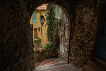 Fotomurales - Streets of the French city of Menton on a cloudy day