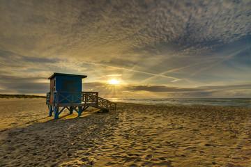 Zachód słońca Ustka Morze domek na Plaży