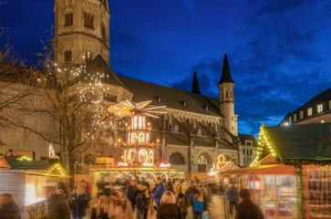 Bonner Münster und Weihnachtsmarkt