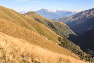 Zauberhafte Bergwelt; Valle Albano mit Monte Legnone
