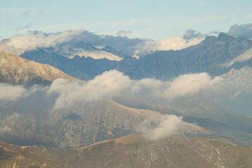 Imposante Alpengipfel / Blick über das Val Chiavenna zur Bernina-Kette