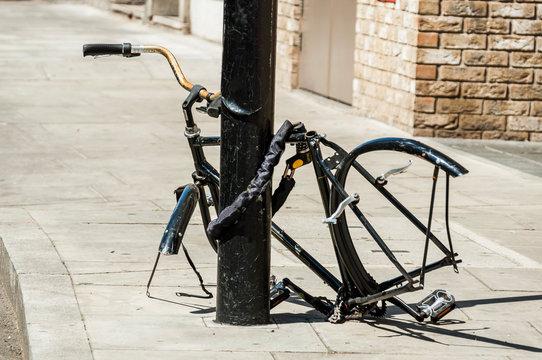 An abandoned bike on the street