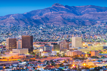 Fototapete - El Paso, Texas, USA  downtown city skyline at dusk