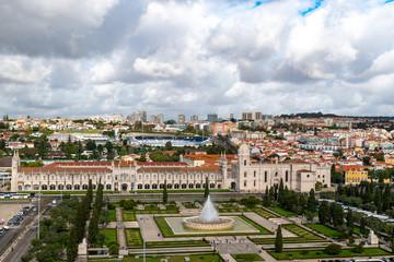 Das Kloster Mosteiro dos Jeronimos im Stadtteil Belem von Lissabon