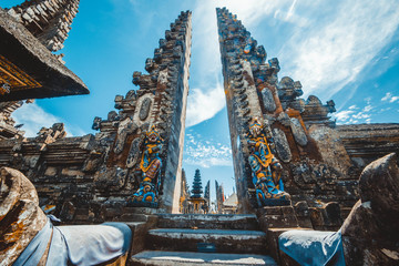 Photo sur Aluminium Bali A beautiful view of Ulun Danu Batur temple in Bali, Indonesia