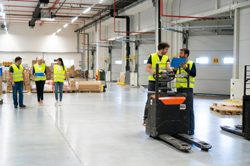 Work division at the warehouse