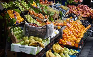 istanbul - turkey NOV 2018 market of fruit .