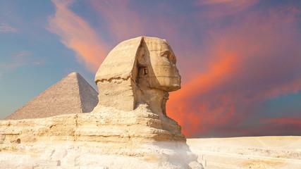 La sfinge e le Piramidi di Giza,  Egitto