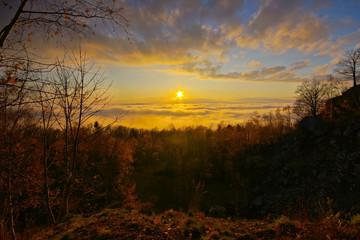 Sonnenuntergang am Silberberg in der Böhmischen Schweiz über den Wolken  - sunset on Silver mountain in Bohemian Switzerland