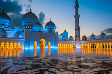 Foto auf Acrylglas Abu Dhabi Sheikh Zayed Grand Mosque in Abu Dhabi, United Arab Emirates