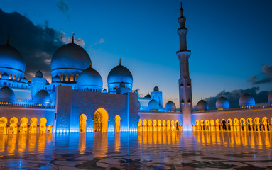 Papiers peints Abou Dabi Sheikh Zayed Grand Mosque in Abu Dhabi, United Arab Emirates