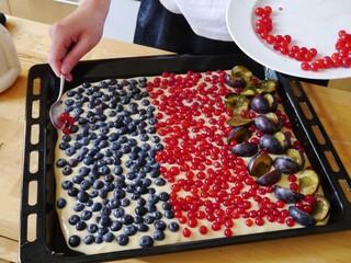 Obstkuchen auf dem Blech