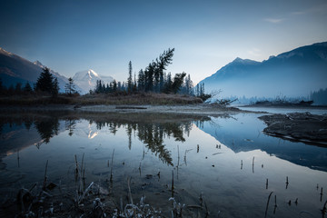 Printed roller blinds Gray traffic Late fall in Mount Robson Provincial Park