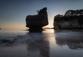 Photo sur Aluminium Cathedral Cove Sunrise at Cathedral Cove