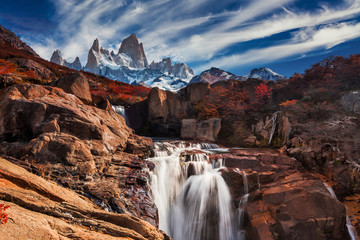 Beautiful view with waterfall and Fitz Roy mountain. Patagonia, Argentina Fotomurales