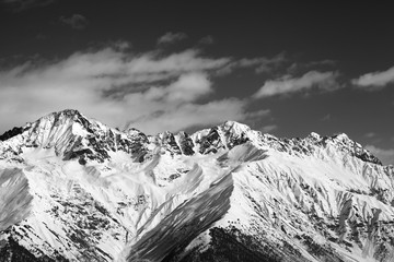 Fototapete - Winter snowy mountains at sunny day