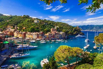 Photo sur cadre textile Europe Méditérranéenne Portofino - Italian fishing village and luxury holiday resort in Liguria