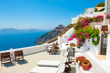 White architecture on Santorini island, Greece. Beautiful terrace with sea view. Summer holidays, travel destinations concept Fototapete