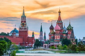 Tuinposter Moskou Kremlin and St. Basil's Cathedral on the Red Square, Moscow, Russia