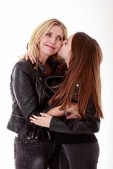 Mutter und Tochter glücklich am Muttertag