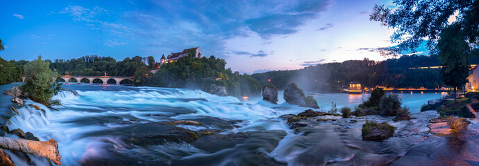 View of the Rhine Falls with the Laufen Castle in Neuhausen Fotobehang