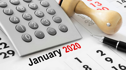 Calendar with calculator and January 2020