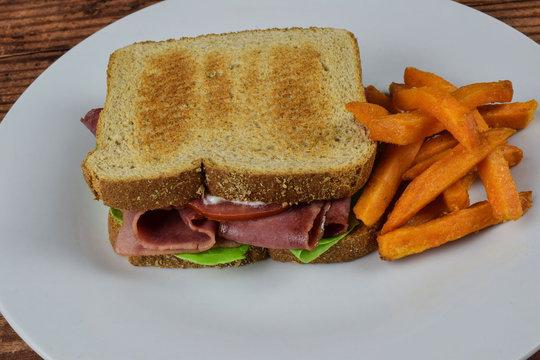 blt sandwich with sweet potato fries