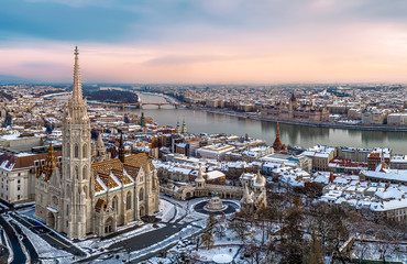 Printed kitchen splashbacks Budapest Aerial cityscape from Budapest with cloudly sky, Matthas church, fishermans bastion, Danube river and Hungarian Parliament.