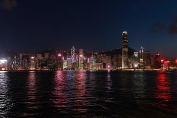 Photo sur Aluminium Hong-Kong Night Hong Kong view from the Victoria Harbour