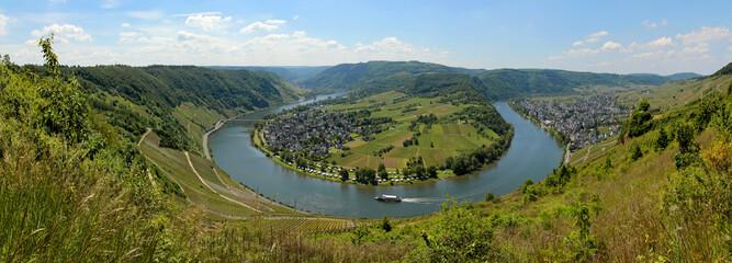 Moselschleife von oben, Kröv, Moseltal, Rheinland-Pfalz, Deutschland, Panorama  Fototapete