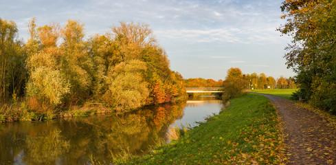 Herbststimmung an der Nidda in Frankfurt am Main