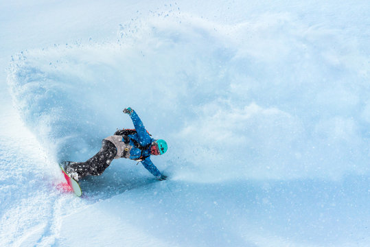 Snowboarder making a splash
